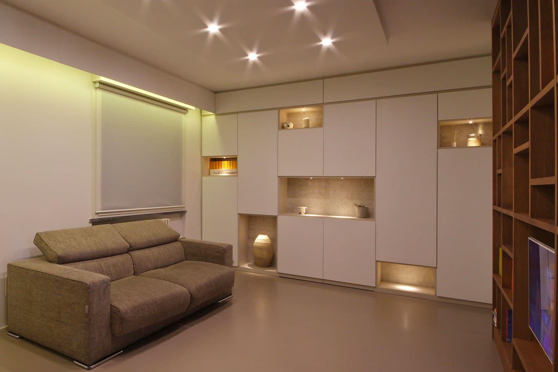 10_mobile-living-con-nicchie-illuminate-con-faretti-_-JFD-Milano