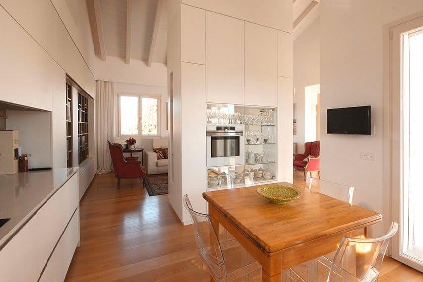 15-cucina-con-mobile-separatore-centro-stanza
