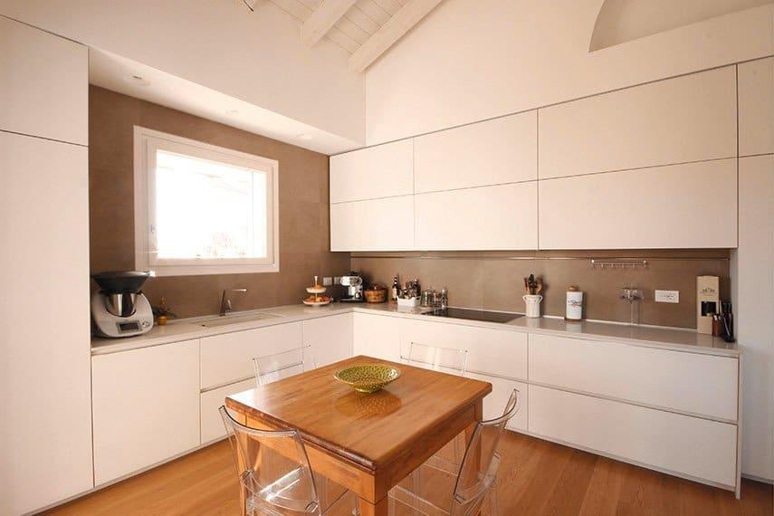 16-cucina-doppi-pensili-bianca-modulnova