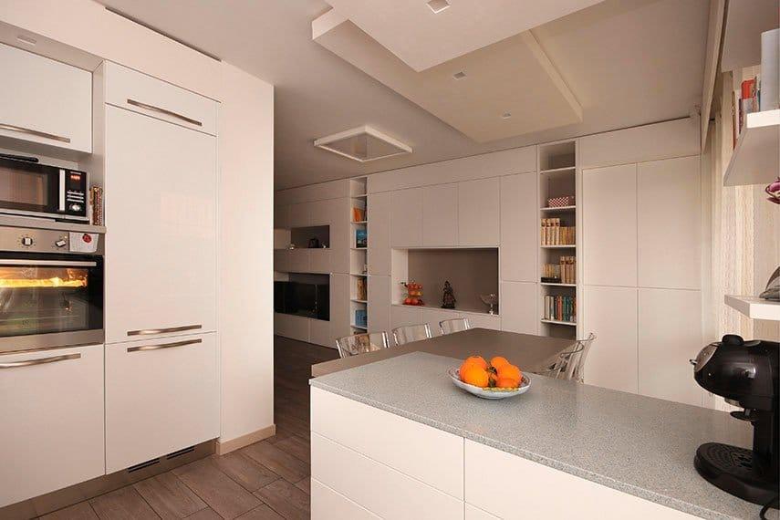 18-cucina-moderna-isola-pavimento-gres-milano