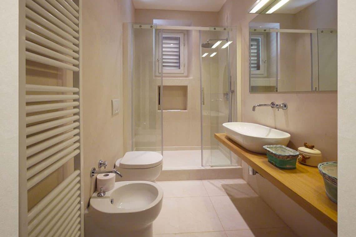 21-bagno-doccia-con-finestra-sanitari-piccoli-firenze-2