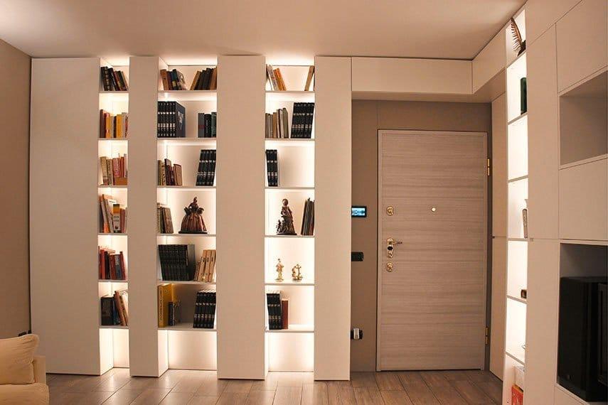 23-libreria-illuminazione-led-mensole-milano