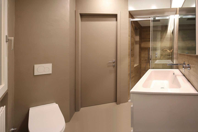 40_bagno-cortesia-sartoriale-con-mobile-lavabo-e-tutto-su-