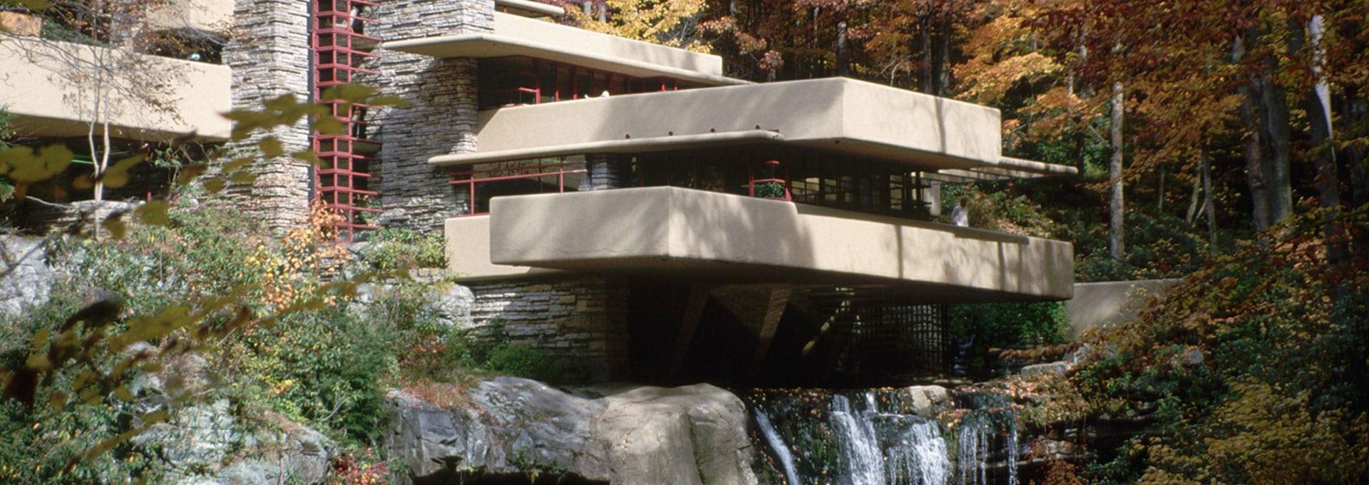La Casa sulla Cascata – Il bello di un'Architettura Organica