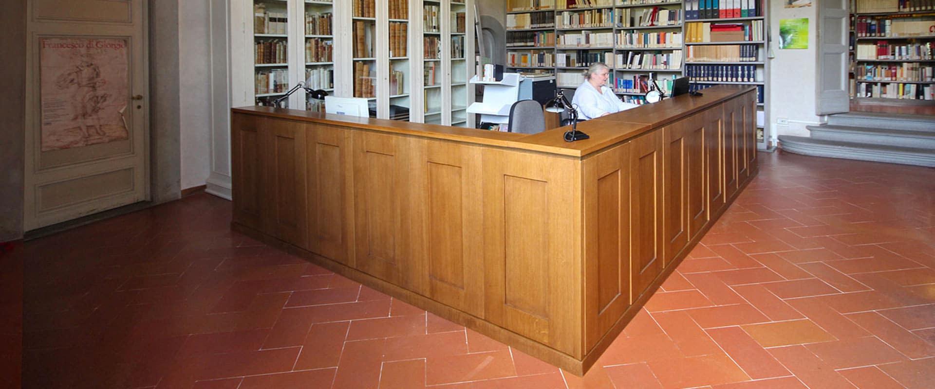Mobili su Misura: Librerie e Scrivanie per Accademia della Crusca | JFD